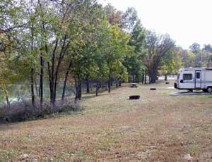 Caplinger Mills River Front Resort - Picture 2