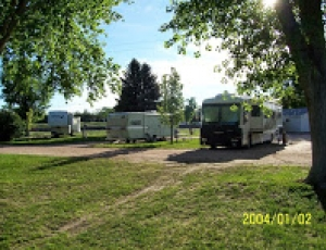 Chuck Wagon RV Park - Picture 2