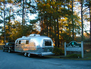 Lake Pines RV Park & Campground - Picture 2