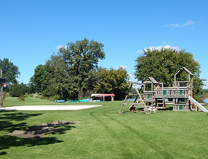 Lakeshore RV Resort & Campground - Picture 3