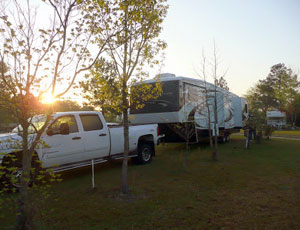 Paradise Lake RV Park - Picture 3
