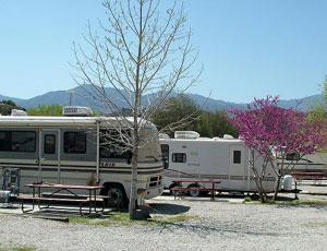 Pyramid Lake RV Resort - Picture 2