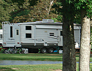 Quiet Oaks RV Park - Picture 3