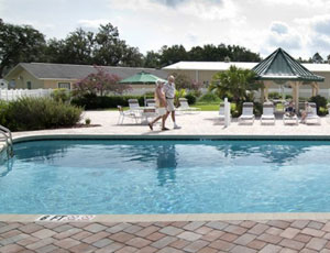 Red Oaks Carefree RV Resort - Picture 1