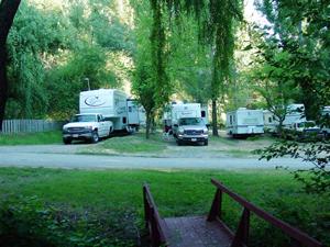 Sleepy Hollow RV Park - Picture 3