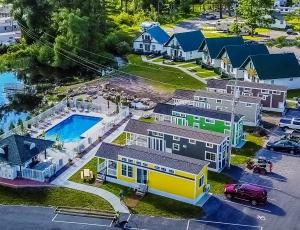 Swan Bay Resort - Picture 1