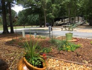 Twin Oaks RV Park - Picture 1