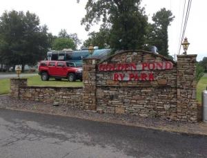 Golden Pond RV Park - Picture 1